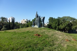 P1150635 הפסל של שלומית אברבוך